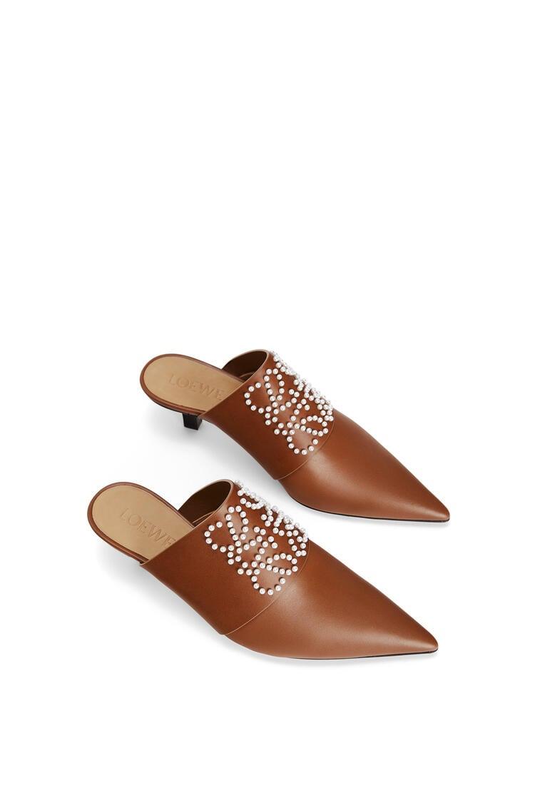 LOEWE Pointy heel mule in calfskin Tan pdp_rd