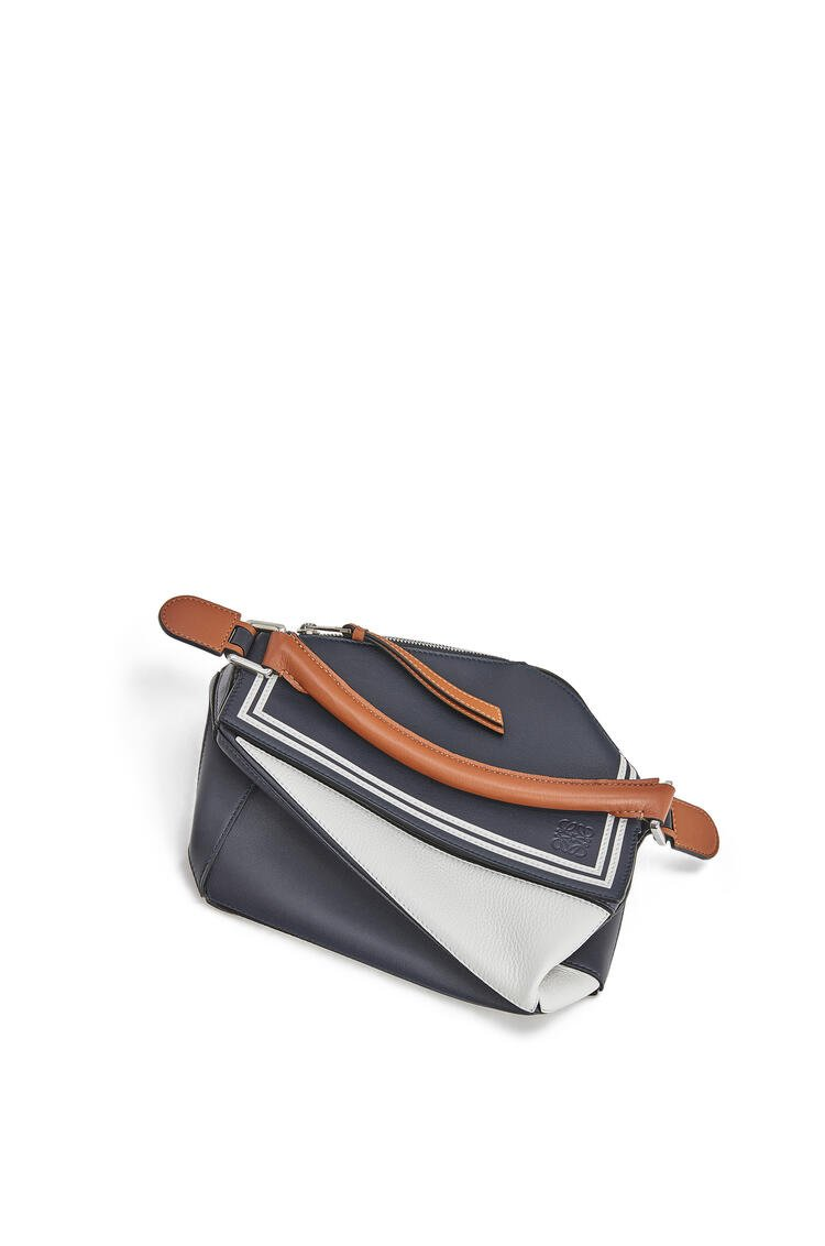 LOEWE Small sailor Puzzle bag in classic calfskin Deep Blue/Soft White pdp_rd