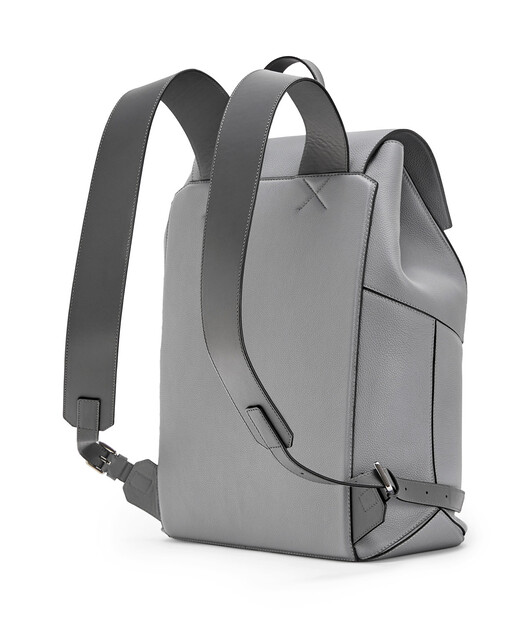 LOEWE Puzzle Backpack ガンメタル front