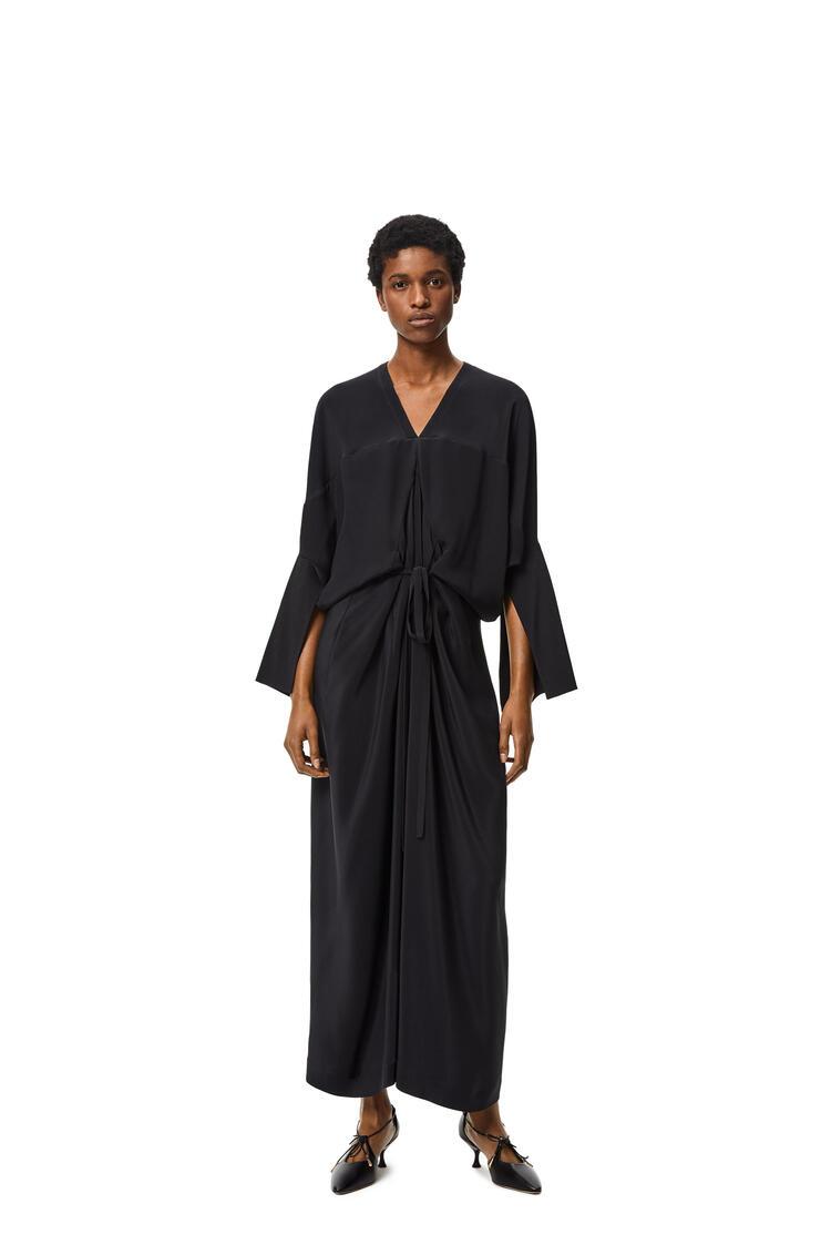 LOEWE Vestido largo tipo kimono en seda Negro/Marino pdp_rd