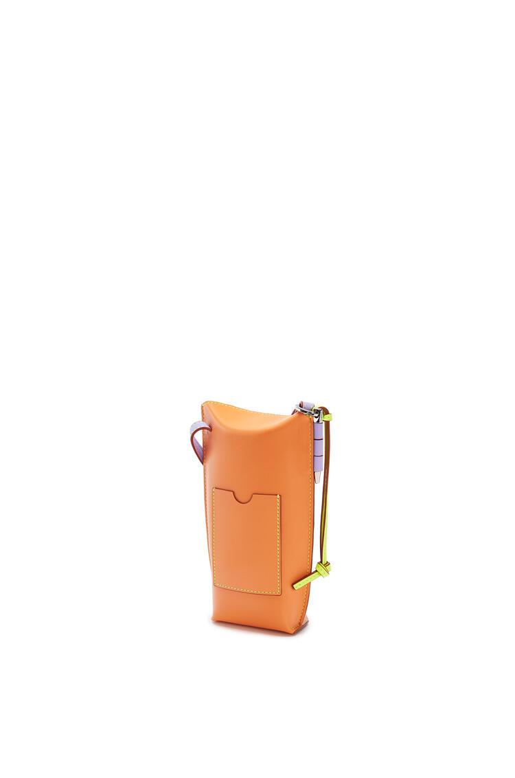LOEWE ゲートポケット (ソフト カーフスキン) Peach Pink/Soft Apricot pdp_rd