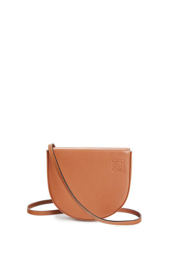 LOEWE Heel Bag In Soft Calfskin Tan pdp_rd