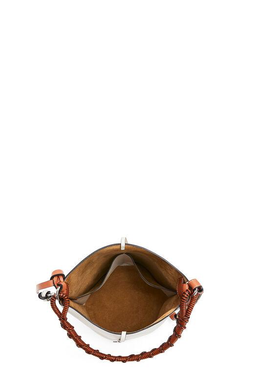 LOEWE Gate Bucket Handle Bag 绵白色 front