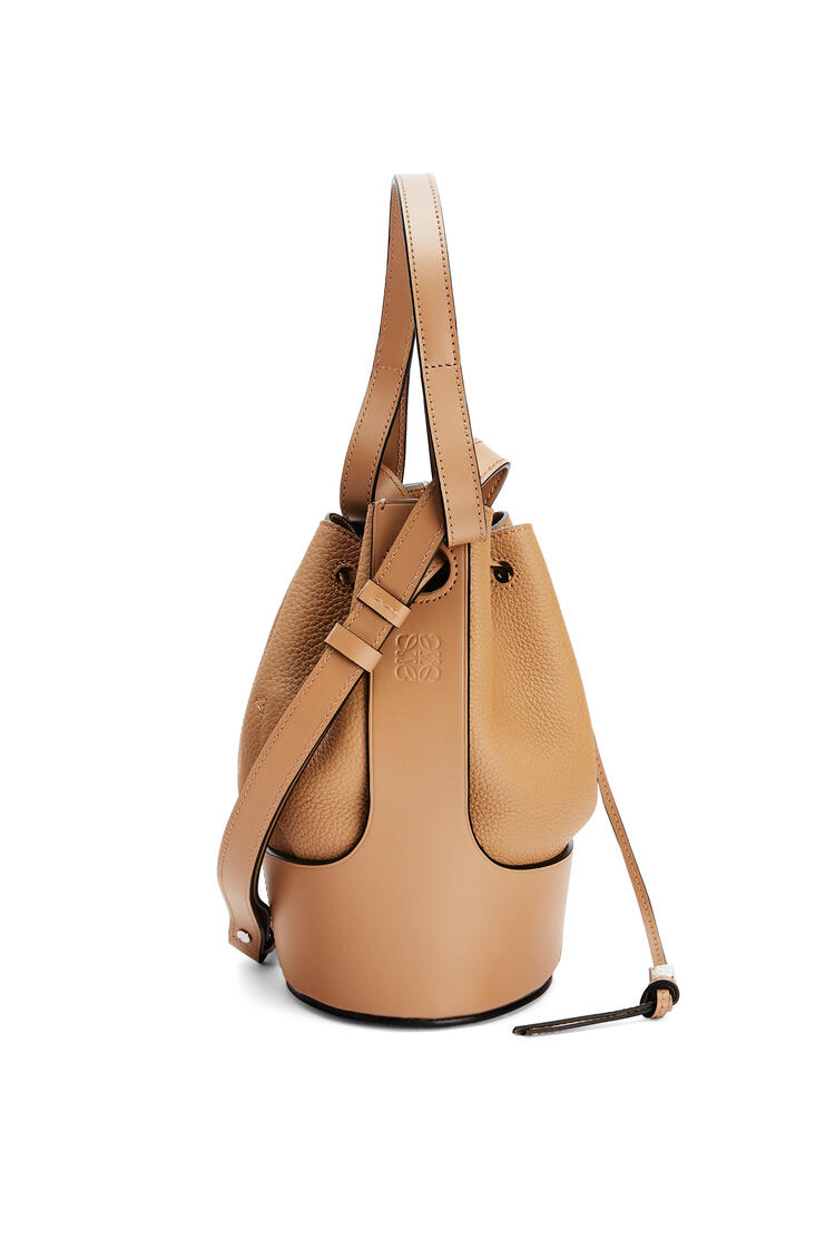 LOEWE Small Balloon bag in grained calfskin Toffee pdp_rd