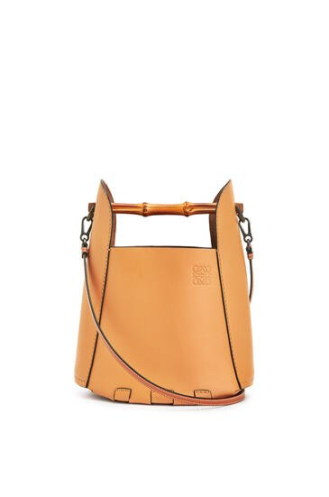 LOEWE Bamboo bucket bag in calfskin Honey pdp_rd