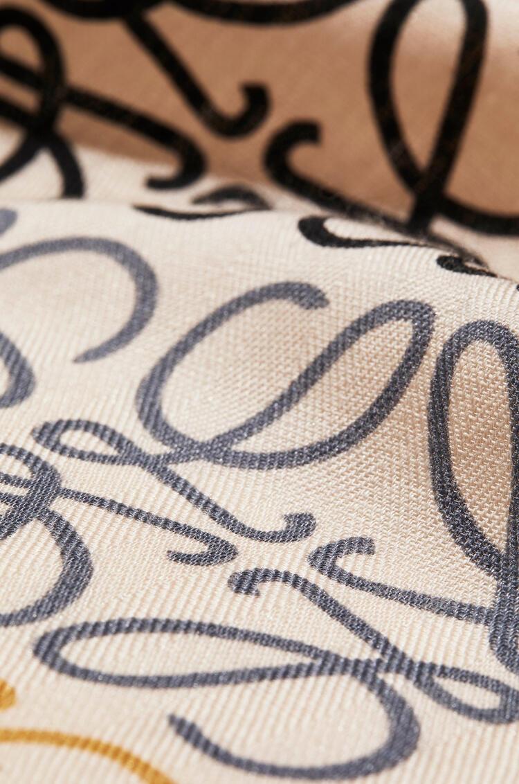 LOEWE Bufanda en lana y cachemira con estampado de Anagramas Multicolor/Blanco pdp_rd