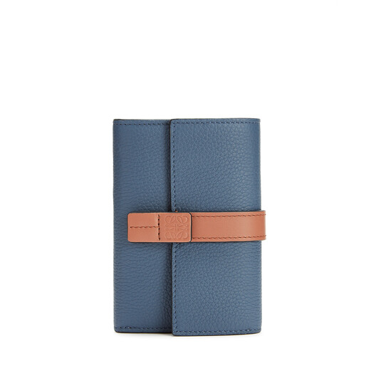 LOEWE スモールバーティカルウォレット Steel Blue/Tan front