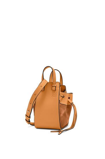 LOEWE Mini Hammock Drawstring bag in calfskin and nubuck Honey pdp_rd