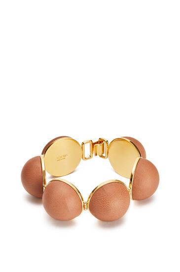 LOEWE Mini Globe bracelet in lambskin Tan pdp_rd