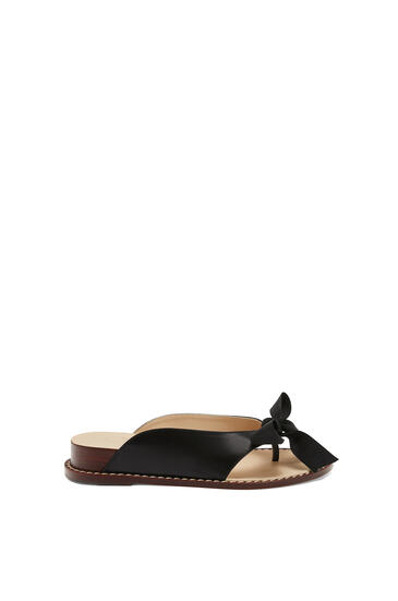 LOEWE Wedge flip flop in calfskin Black pdp_rd