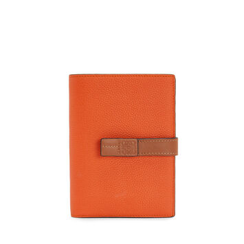 LOEWE Medium Vertical Wallet 橙色 front