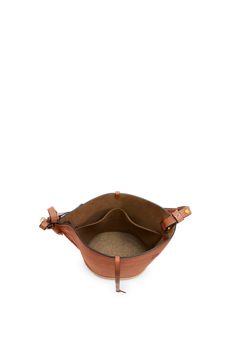 LOEWE Gate Bucket Bag In Soft Grained Calfskin And Raffia Tan pdp_rd