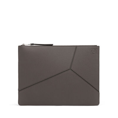 LOEWE Puzzle Pouch Plano Mediano Gris Oscuro/Negro front