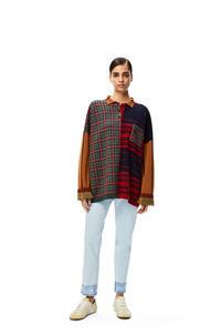 LOEWE Polo con patchwork en Jacquard de lana a cuadros Negro/Blanco/Teja/Paladio pdp_rd
