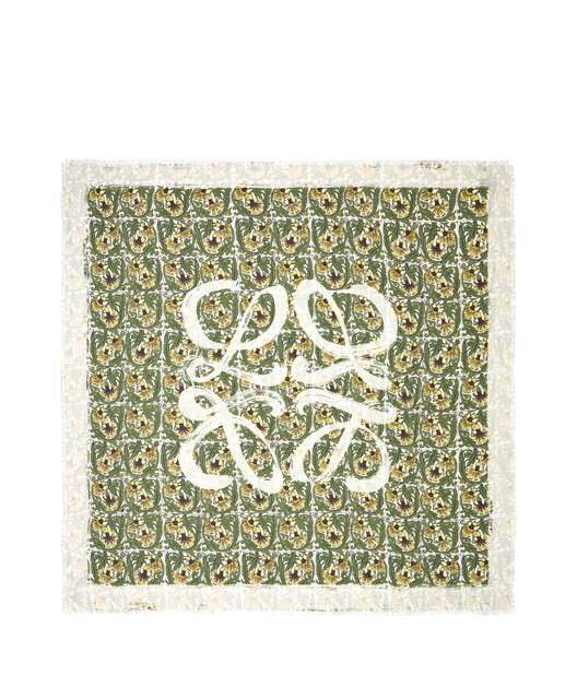 LOEWE 140X140 Scarf Flowers Anagram Green/White front