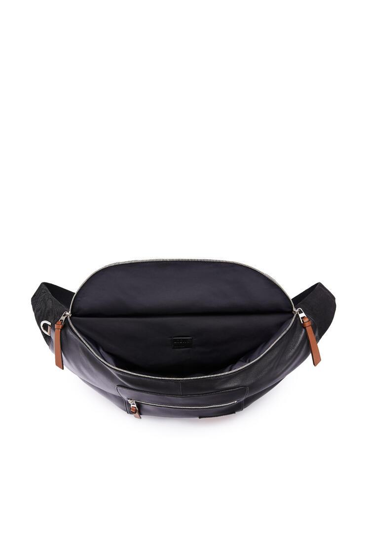 LOEWE XL Puffy Bumbag in nappa lambskin Black/Pecan pdp_rd