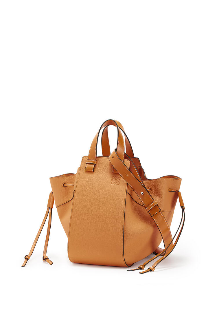 LOEWE Hammock Drawstring Bag In Soft Grained Calfskin Light Caramel pdp_rd