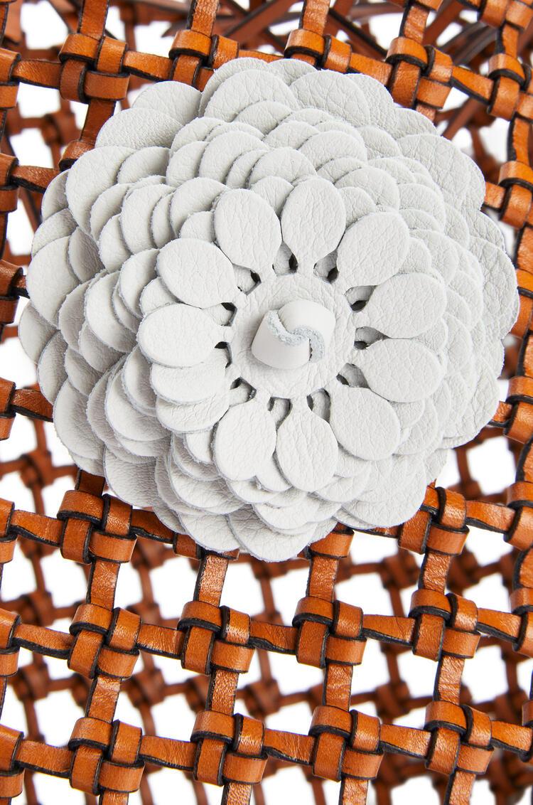 LOEWE Flower Bucket mesh bag in calfskin Tan pdp_rd