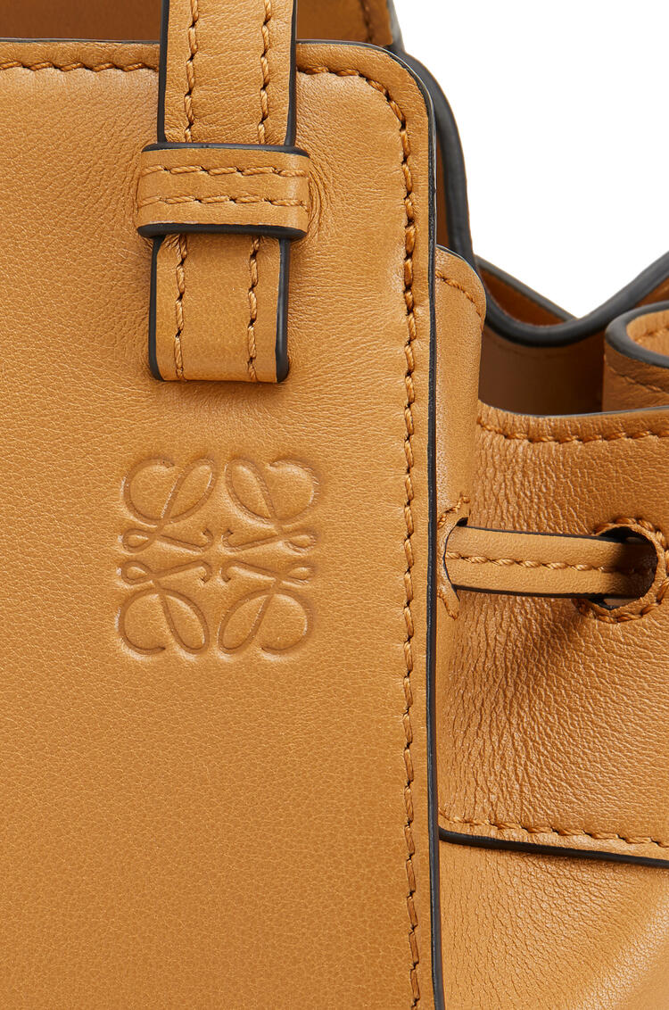 LOEWE Mini Hammock Drawtring Bag In Nappa Calfskin Light Caramel pdp_rd