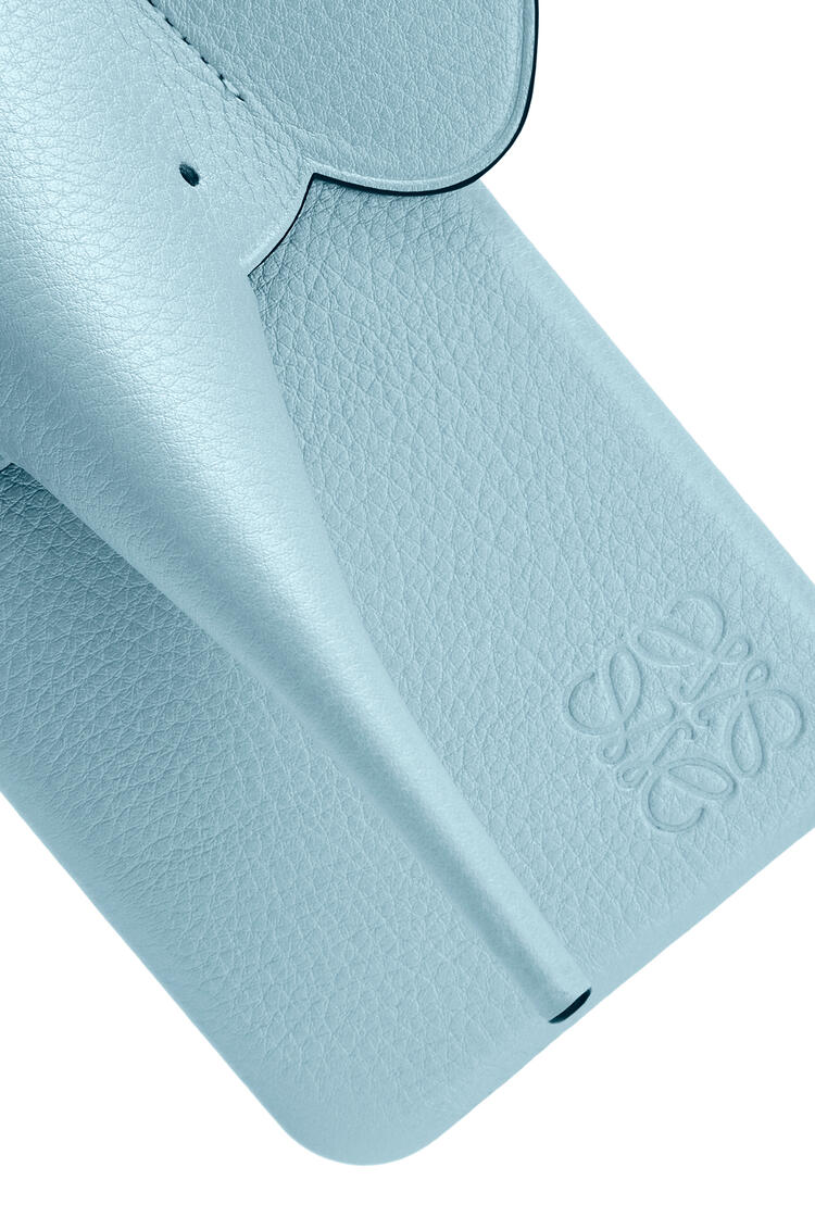 LOEWE Elephant Cover For Iphone Xs Max In Pearlized Calfskin Light Blue pdp_rd