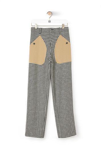 LOEWE Hdstooth Patch Pocket Trousers Negro/Blanco front