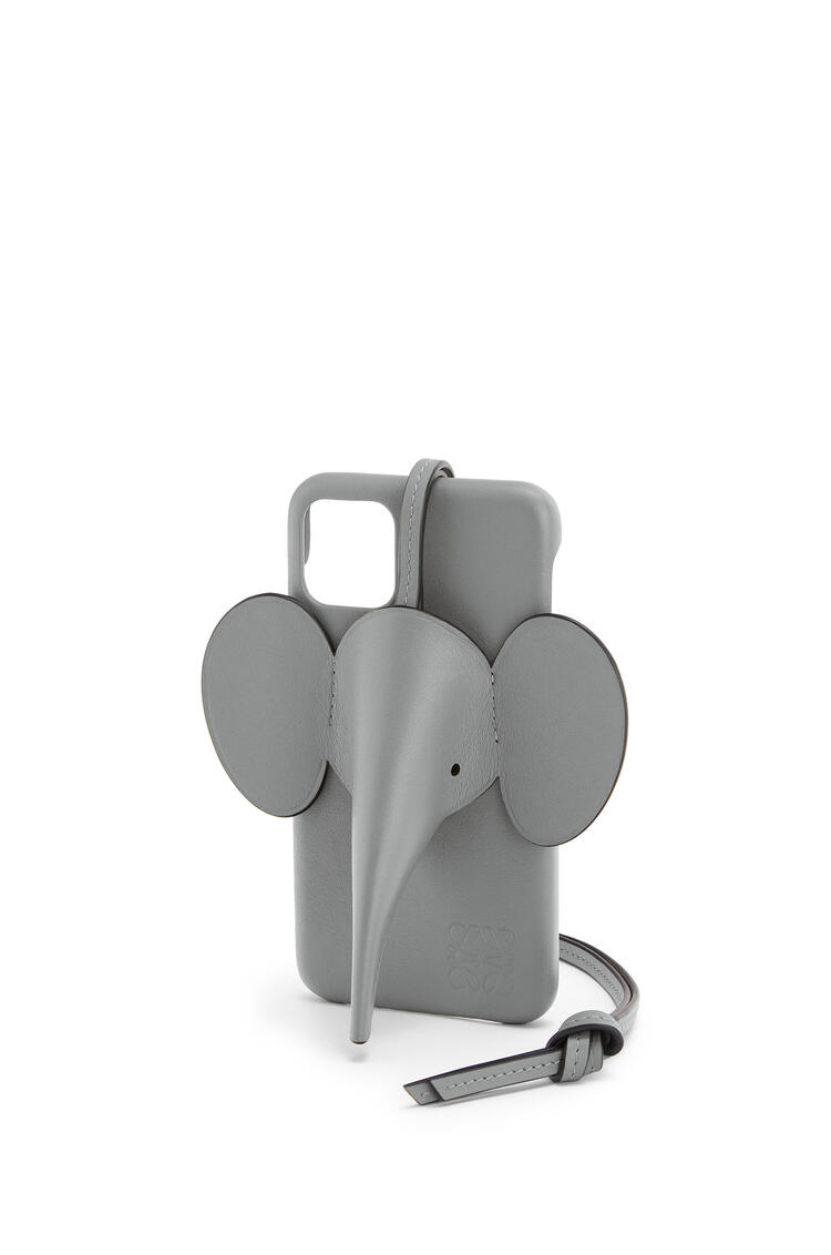 LOEWE Elephant cover for iPhone 11 in pearlized calfskin Gunmetal pdp_rd