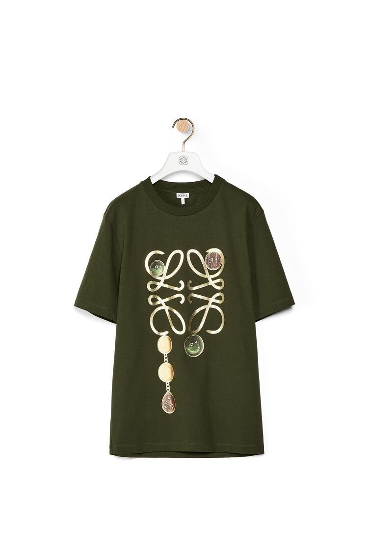 LOEWE Anagram brooch print t-shirt in cotton Khaki Green pdp_rd