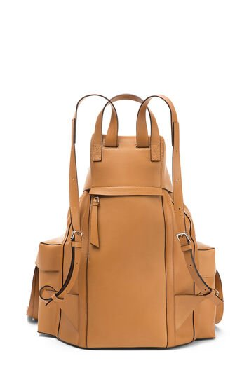 LOEWE ラックサック ライトキャラメル front