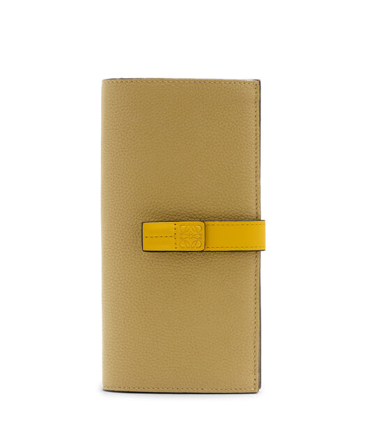 LOEWE Large Vertical Wallet Leaf/Yellow front