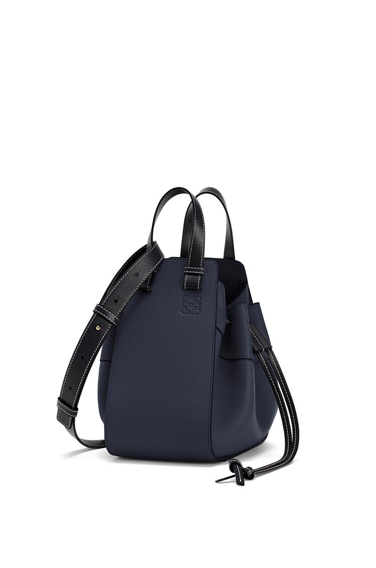 LOEWE Small Hammock Drawstring bag in soft grained calfskin Midnight Blue/Black pdp_rd