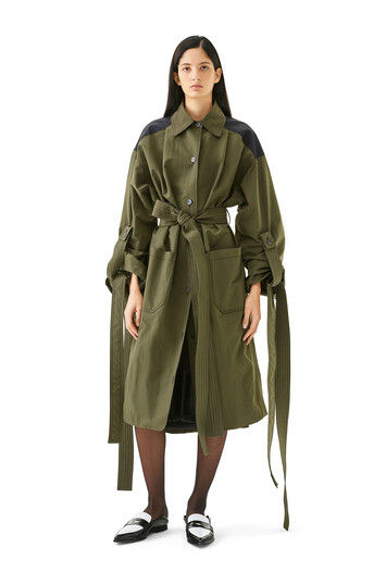 LOEWE Nylon Oversize Coat ブラック/カーキグリーン front