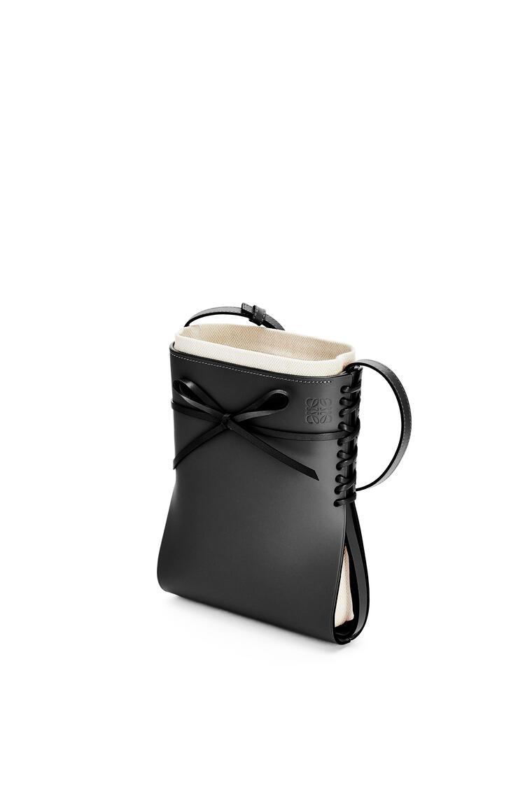LOEWE Bolso Ikebana en piel de ternera Negro pdp_rd