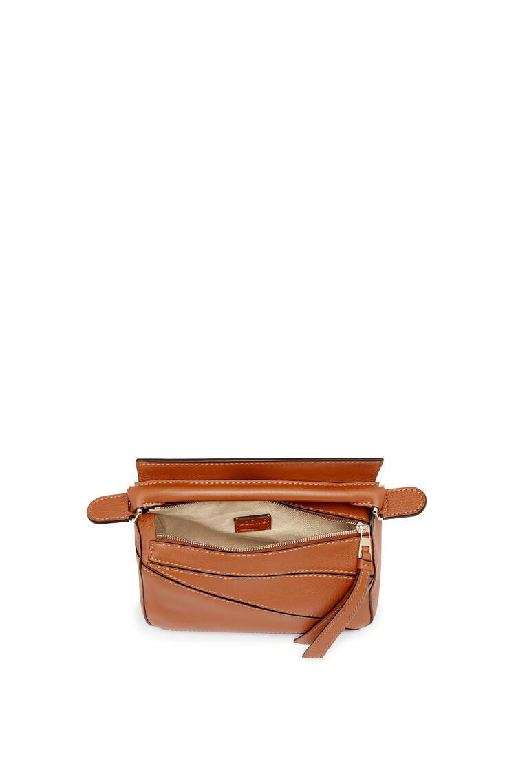 LOEWE Mini Puzzle Bag In Classic Calfskin 棕褐 pdp_rd