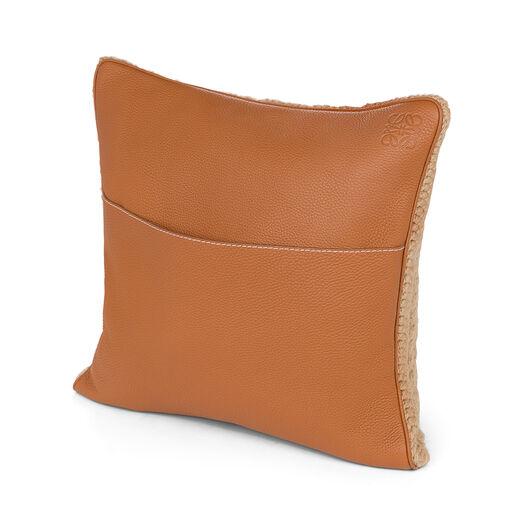 LOEWE Hand Knitted Cushion 3 40X40 Camel/Dark Brown all