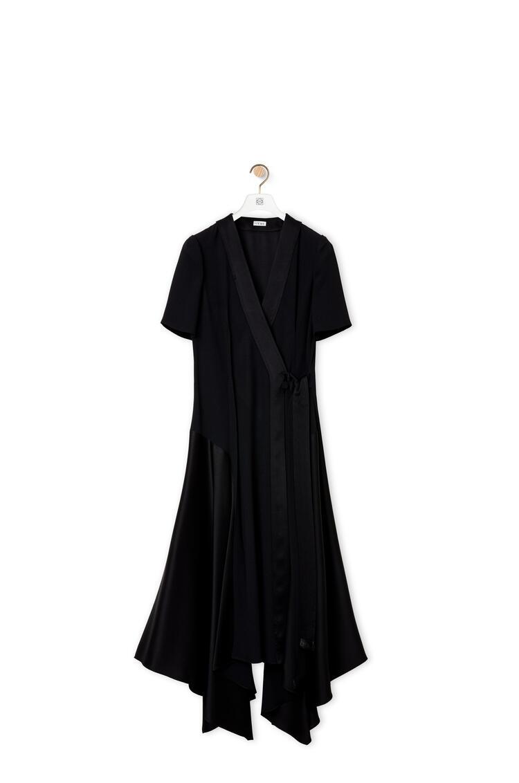 LOEWE Vestido midi cruzado asimétrico en crepé de satén Negro pdp_rd