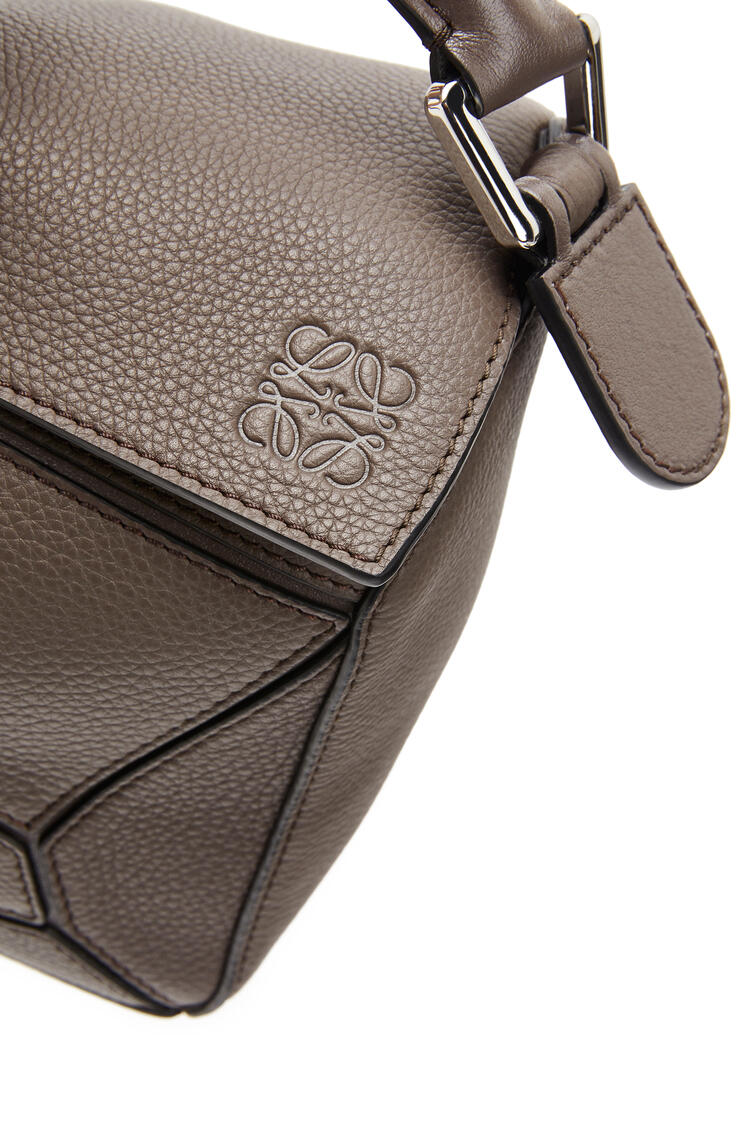LOEWE Small Puzzle Bag In Soft Grained Calfskin Dark Taupe pdp_rd