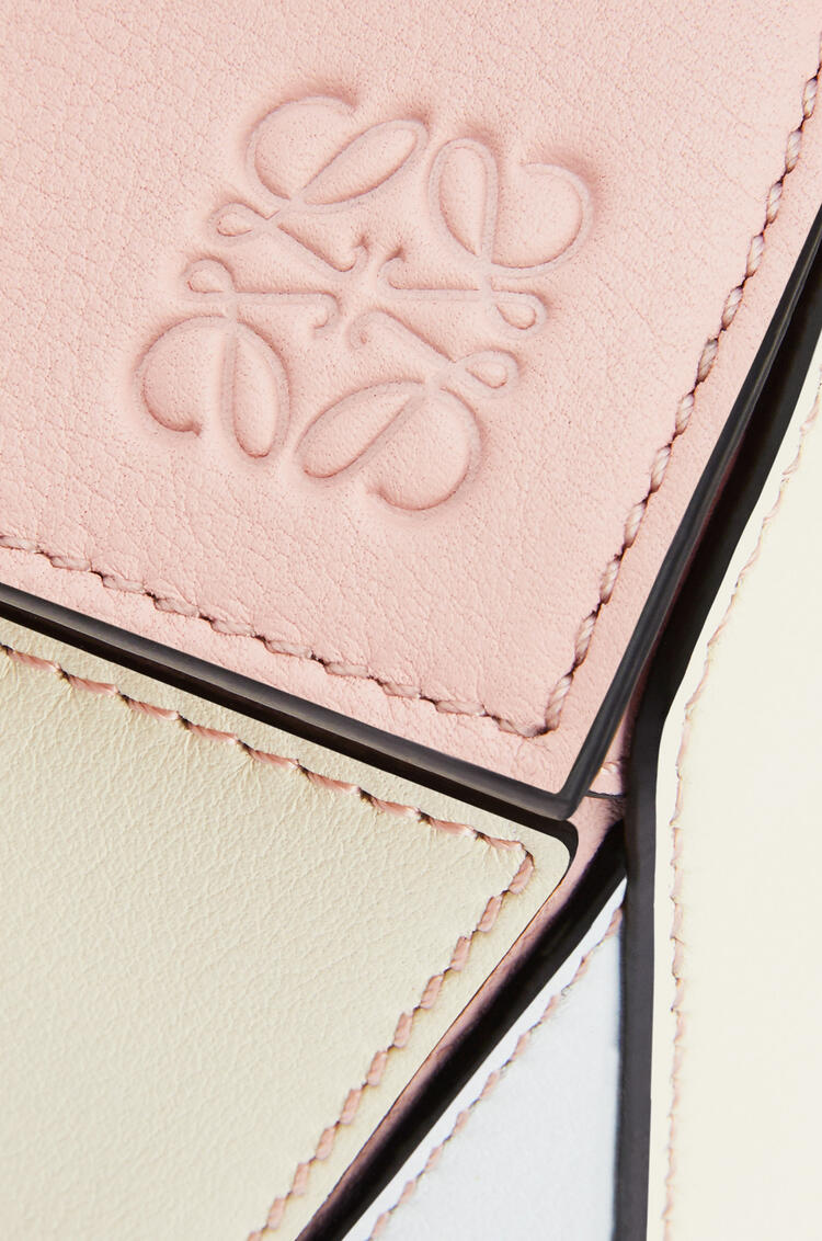 LOEWE Small Puzzle bag in classic calfskin Peach Pink/Milk pdp_rd