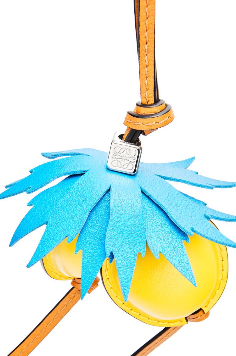 LOEWE チェリー チャーム (カーフ) Caribbean Blue/Yellow pdp_rd