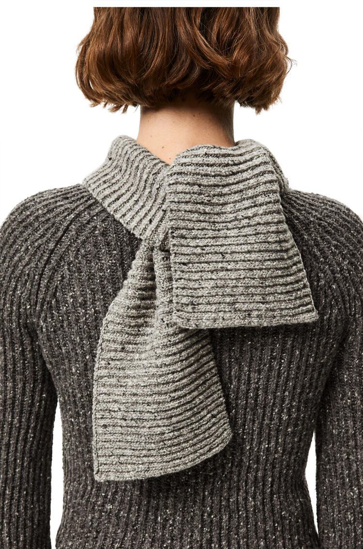 LOEWE Scarf sweater in wool, viscose and polyamide Light Grey/Dark Grey pdp_rd