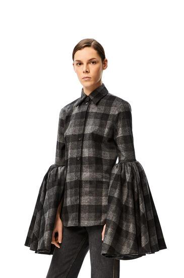 LOEWE Camisa en lana a cuadros con manga campana Negro/Gris pdp_rd