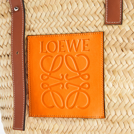 LOEWE Basket Bag In Palm Leaf And Calfskin Natural/Neon Orange front