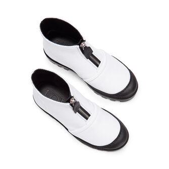 LOEWE ジップブーツ ホワイト front