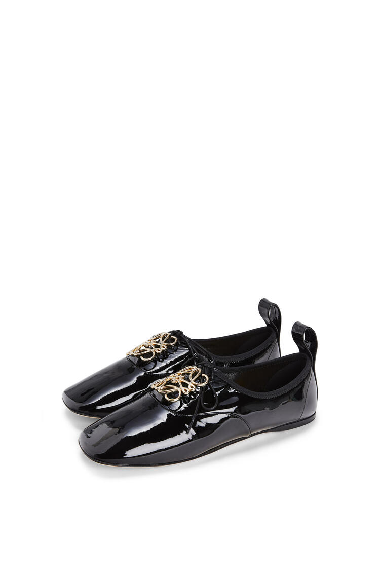 LOEWE Zapato derby suave en charol con anagrama Negro pdp_rd