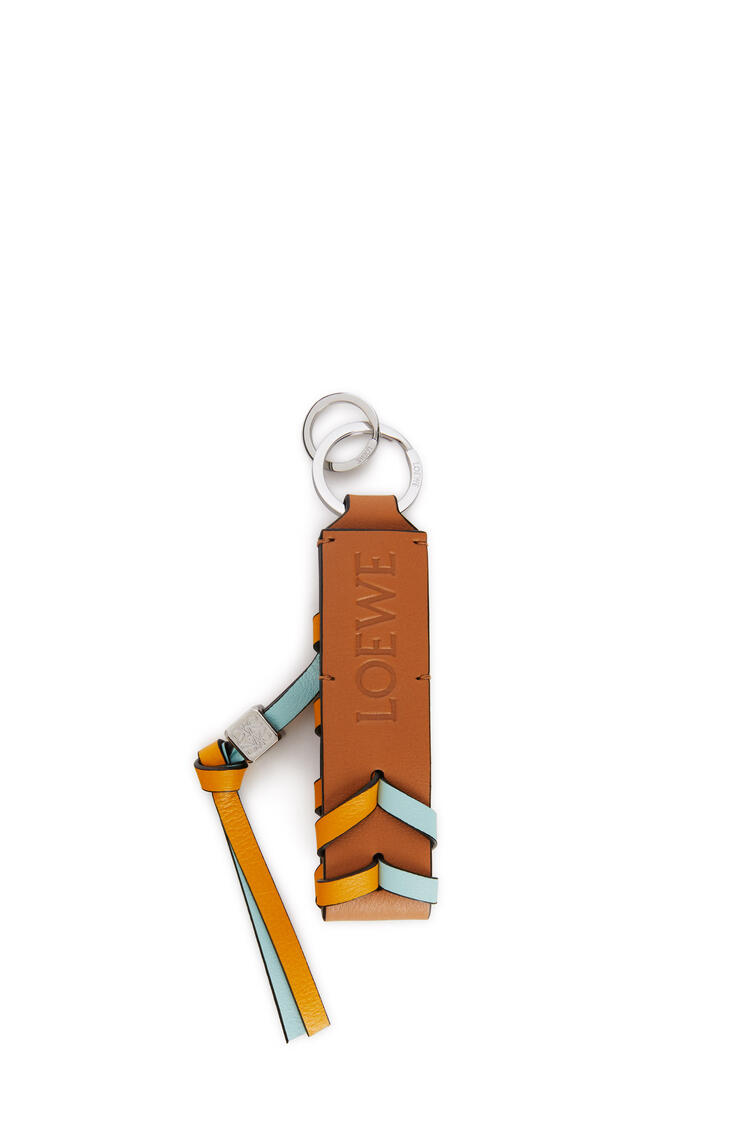 LOEWE Braided strap keyring in calfskin and brass Mint/Yellow Mango pdp_rd