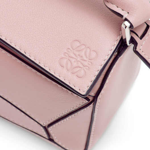 LOEWE ミニパズルバッグ Pastel Pink front