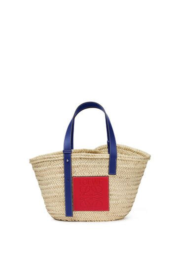 LOEWE London Basket bag in palm leaf and calfskin Natural/Primary Red pdp_rd