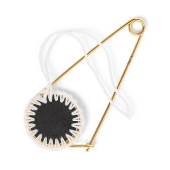 LOEWE Macrame Meccano Pin Black/White front