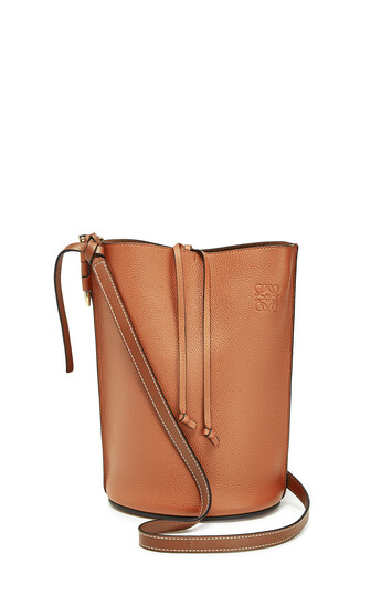 LOEWE Gate Bucket Light Caramel/Pecan front