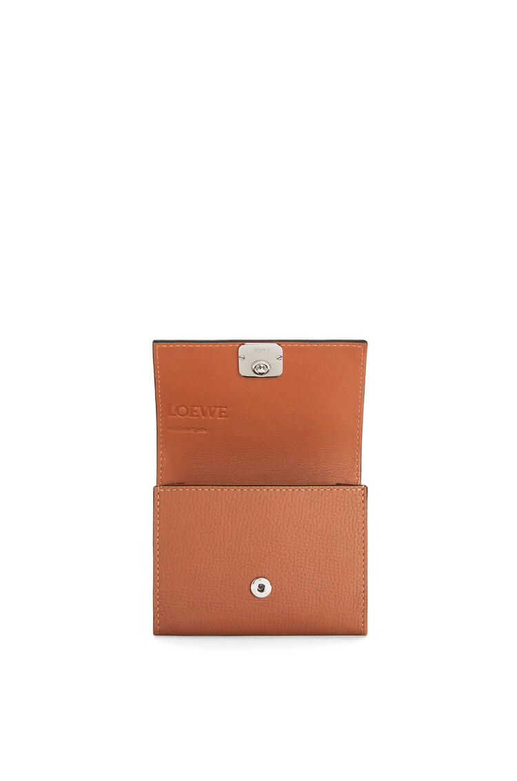 LOEWE Anagram square coin cardholder in pebble grain calfskin Tan pdp_rd