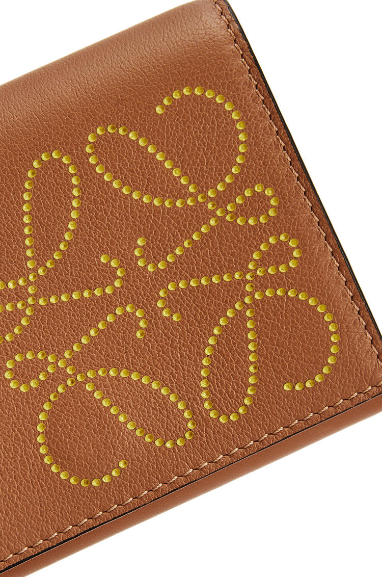 LOEWE Brand trifold 6 cardholder in calfskin Tan/Ochre pdp_rd
